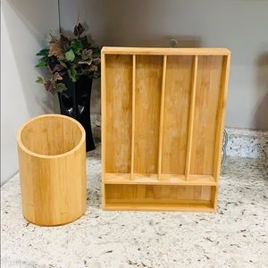 Bamboo kitchen utensil holder set EUC